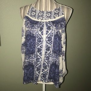 🍀 Lucky Brand sleeveless top with embroidery